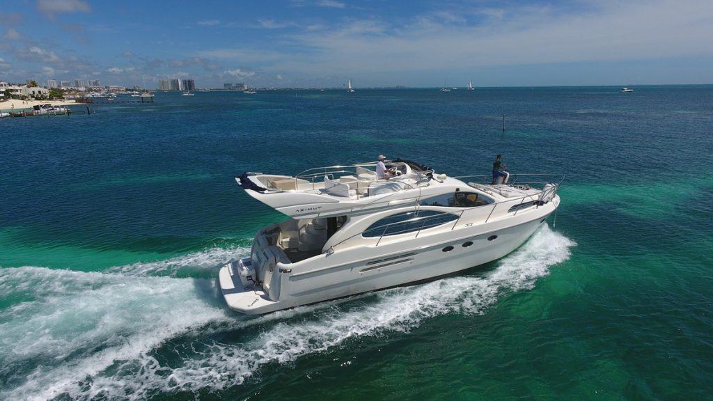 Azimut yacht isla mujeres