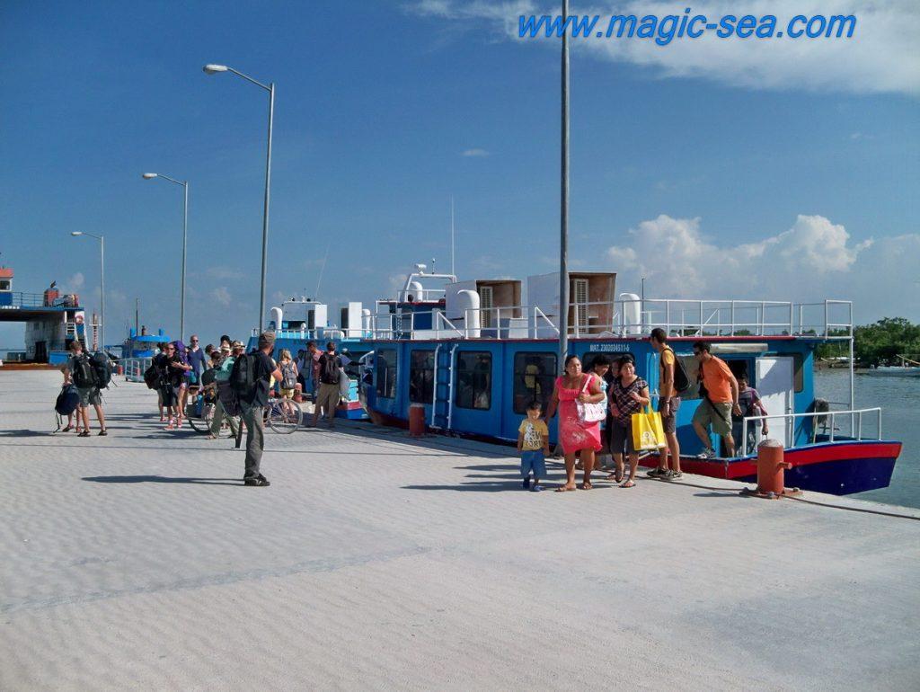 Holbox pier