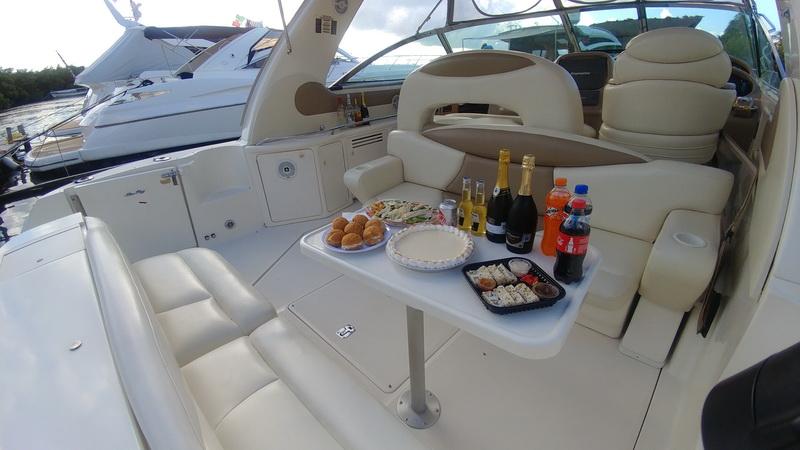 SeaRay Yacht drinks
