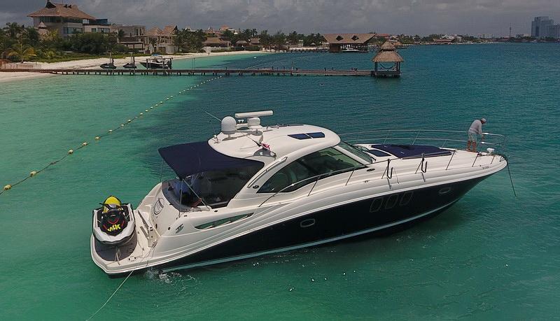 cancun rent a yacht