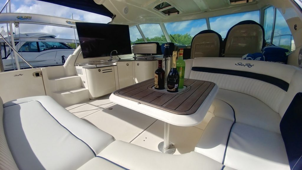 cancun private boat