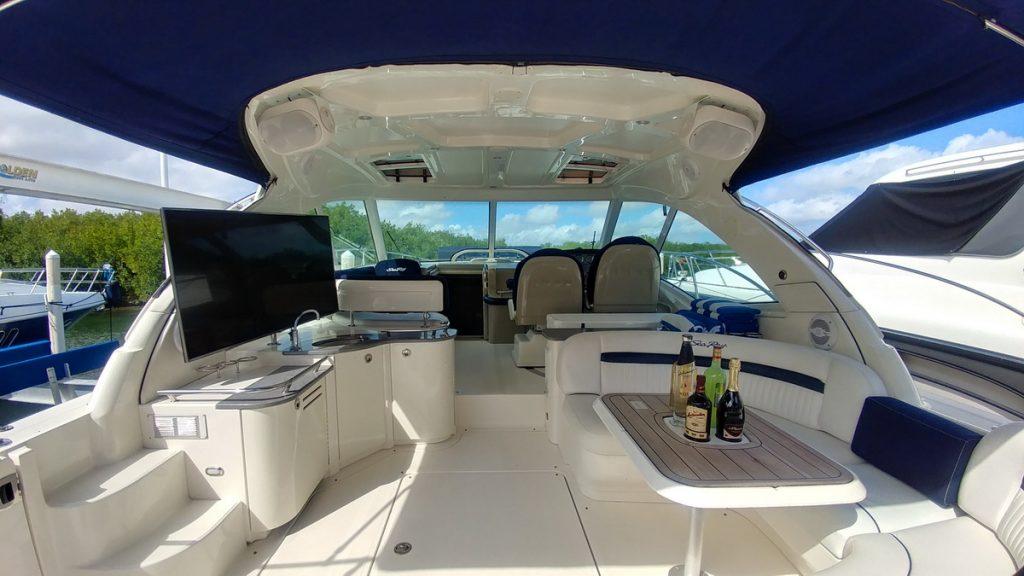 cancun rent a boat