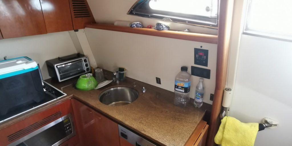 Ferretti 74 Yacht kitchen