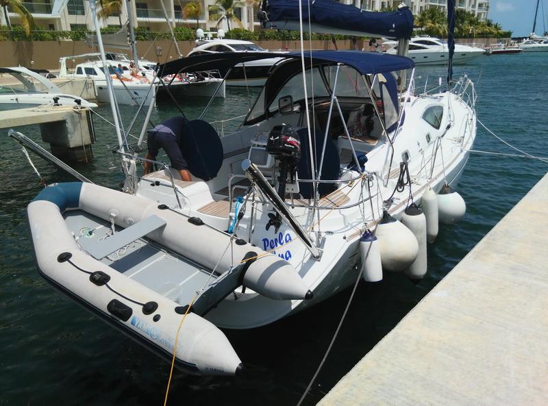 Sailboat Dinghy Cancun