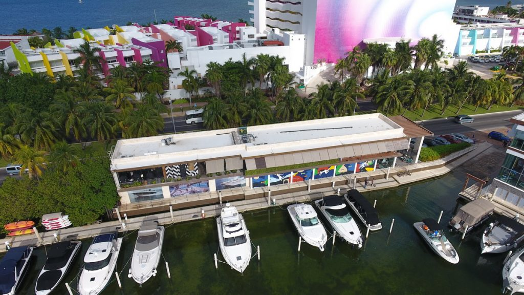wheel chair pier access to yacht