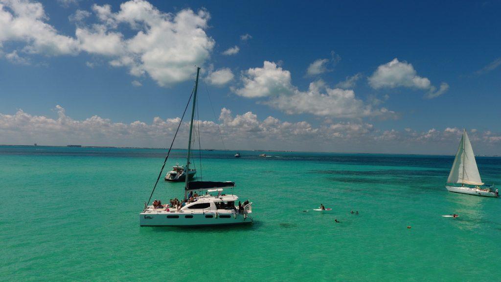 Catamaran Leopard Isla